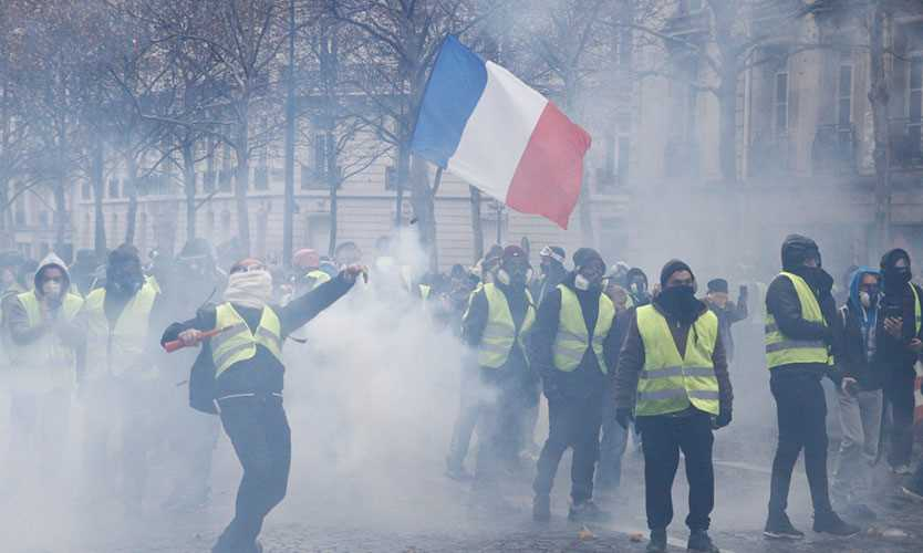 Yellow vest protests in Paris