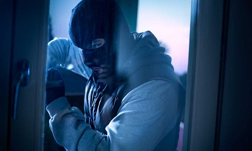 Burglar can't escape — that's the point
